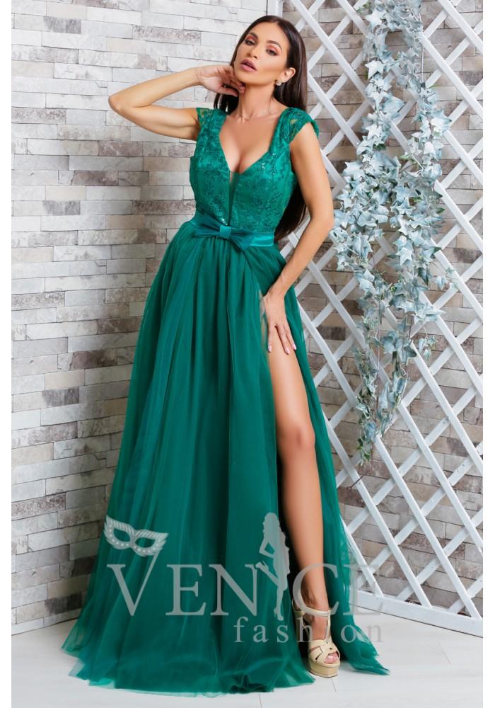 Rochie Esmeralda verde smalard cu spatele gol si dantela pretioasa si strasuri